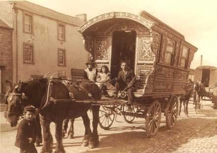 gypsy-wagon-old-photo