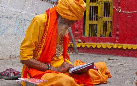 varanasi-hindu-saffron