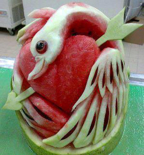 swan-heart-watermelon-carving-art